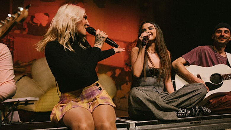 Flamante performance de Julia Michaels & Selena Gomez 'Anxiety'