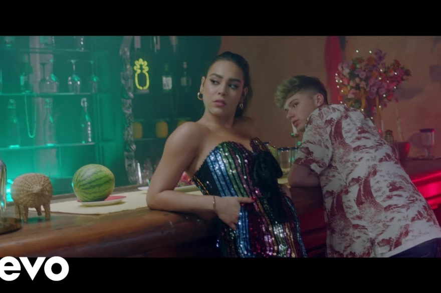 Danna Paola luce bonita y muy sensual en el video 'So Good'